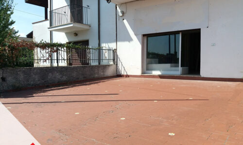 Locazione locale commerciale con parcheggio privato a Sora (FR) – Rif. 22