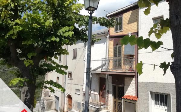 Vendita palazzina semindipendente a Pescosolido (FR) – Rif. 12
