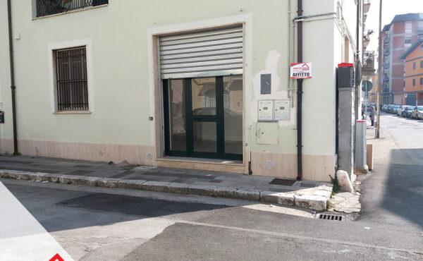 Locazione centralissimo locale commerciale ristrutturato a Sora (FR) – Rif: 55