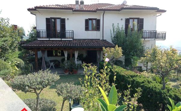 Vendita villa con corte recintata a Castelliri (FR) – Rif. 3
