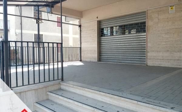 Locazione locale commerciale con terrazzo coperto a Sora (FR) – Rif. 46